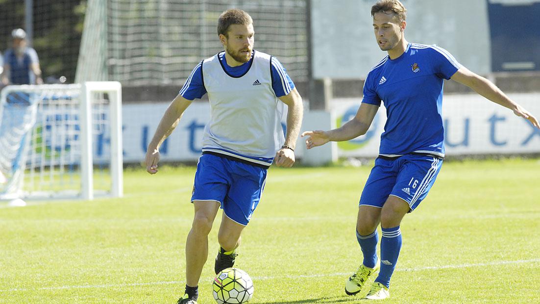 Asier prepara en Zubieta el choque ante el Betis (08-09-15)