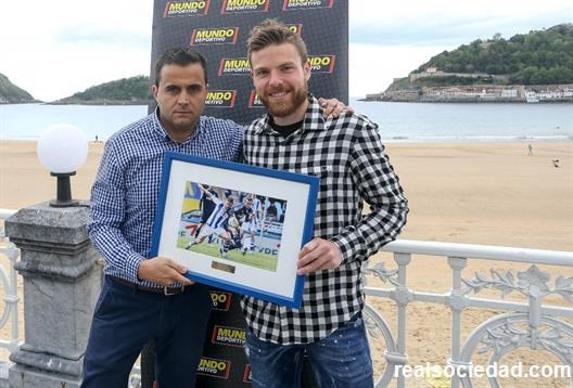 Illarra gets Player of The Season Award